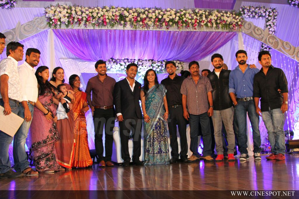 Vineeth Sreenivasan Wedding Reception Photos 41