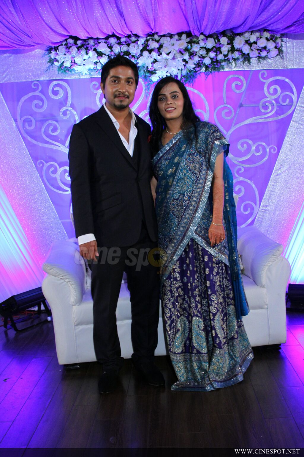 Vineeth sreenivasan wedding reception photos (5)