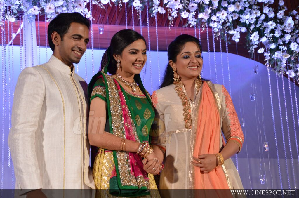 Samvritha Sunil Wedding Reception Photos