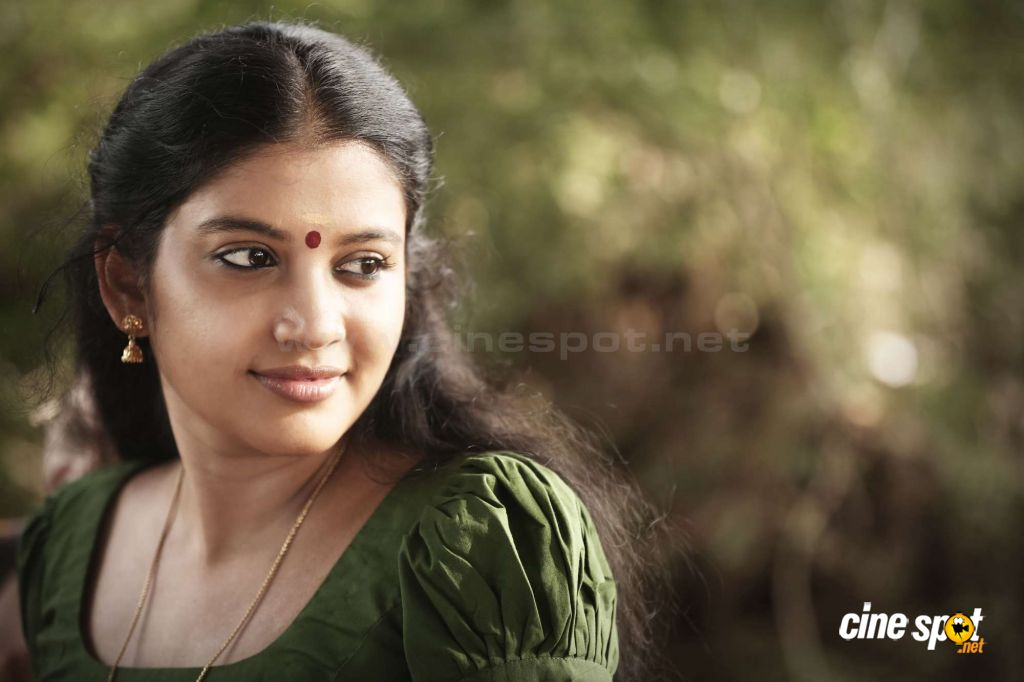 Shivada Nair New Photos (1)