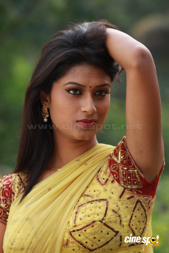 medai movie hot photos 6