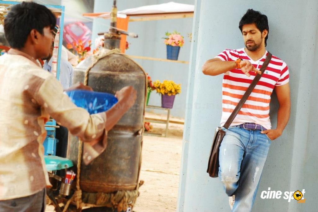 Yash Actor Photos 18