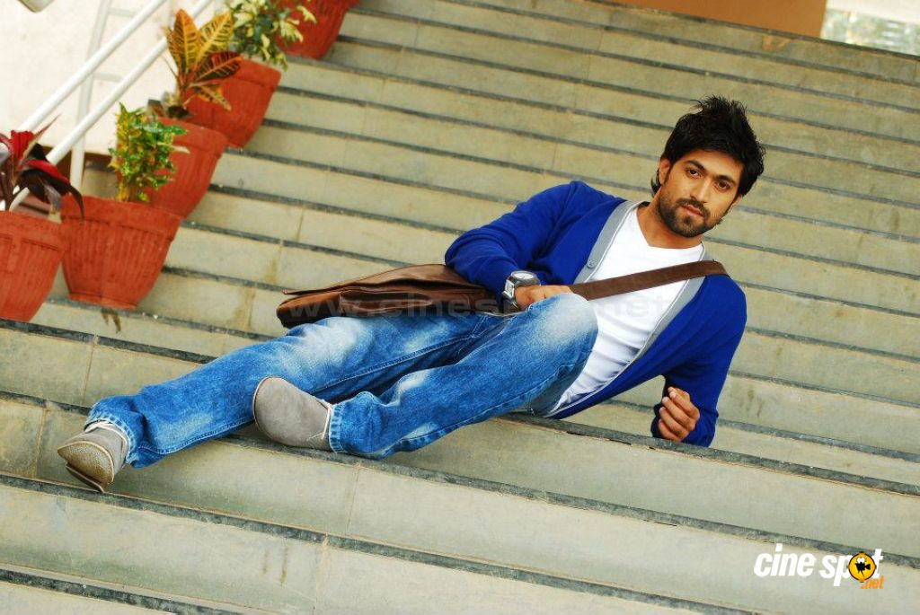 Yash Actor Photos 9