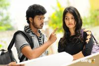 Oruvar Meethu Iruvar Sainthu Movie Photos