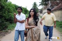 Yeto Vellipoyindi Manasu New Photos (9)