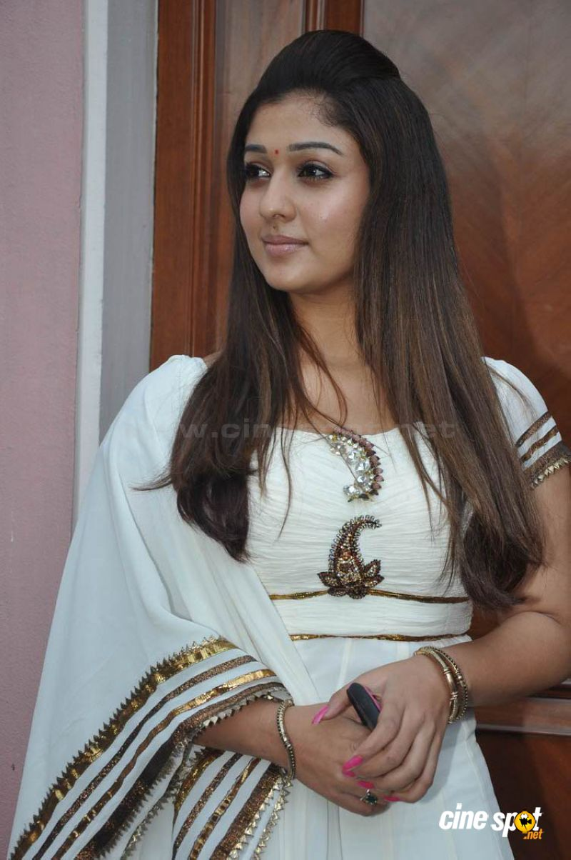 Nayantara New Photos (14)