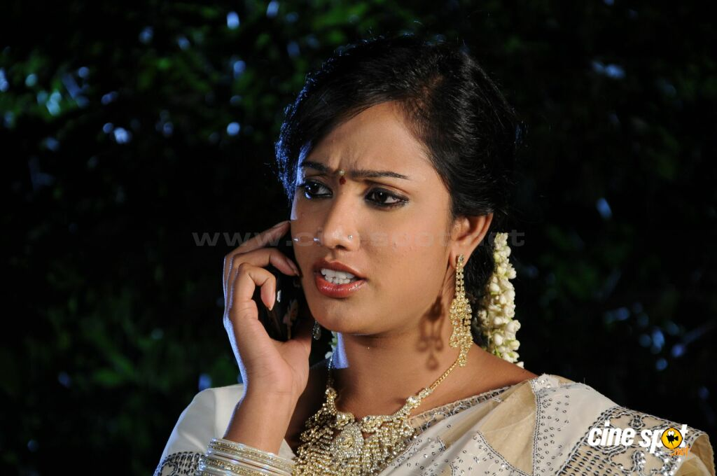 Sravani in Hitech Killer (13)
