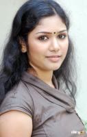 Dharshana Actress Photos