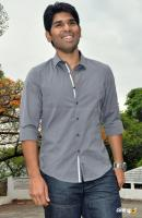 Allu Sirish at Kotha Janta Movie Launch (5)
