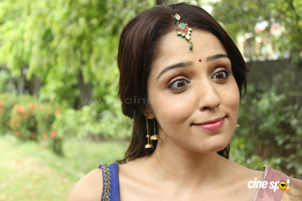 Lekha Washington at Kalyana Samayal Saadham Pressmeet (3)