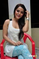 Priyanka Chabra at Athadu Aame O Scooter Press Meet (31)