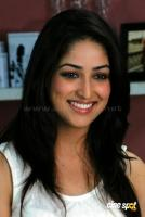 Yami Gautam New Hot Stills (10)