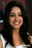 Yami Gautam New Hot Stills (11)