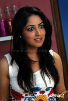 Yami Gautam New Hot Stills (6)