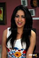 Yami Gautam New Hot Stills (7)