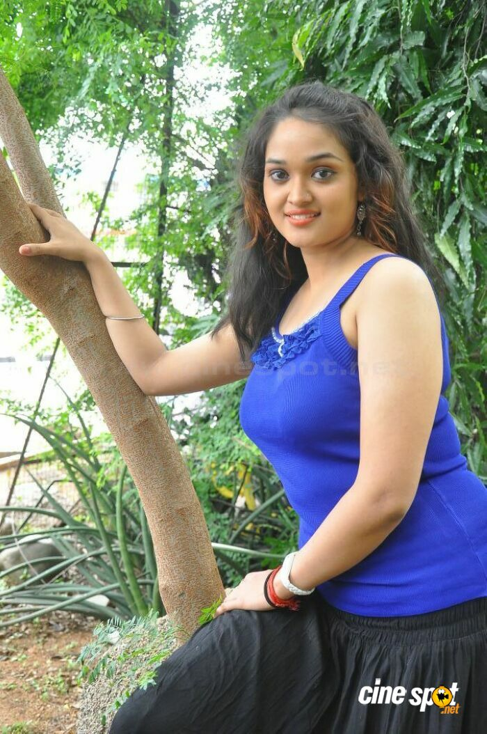 Mounika in Ameerpet Lo Photos (12)