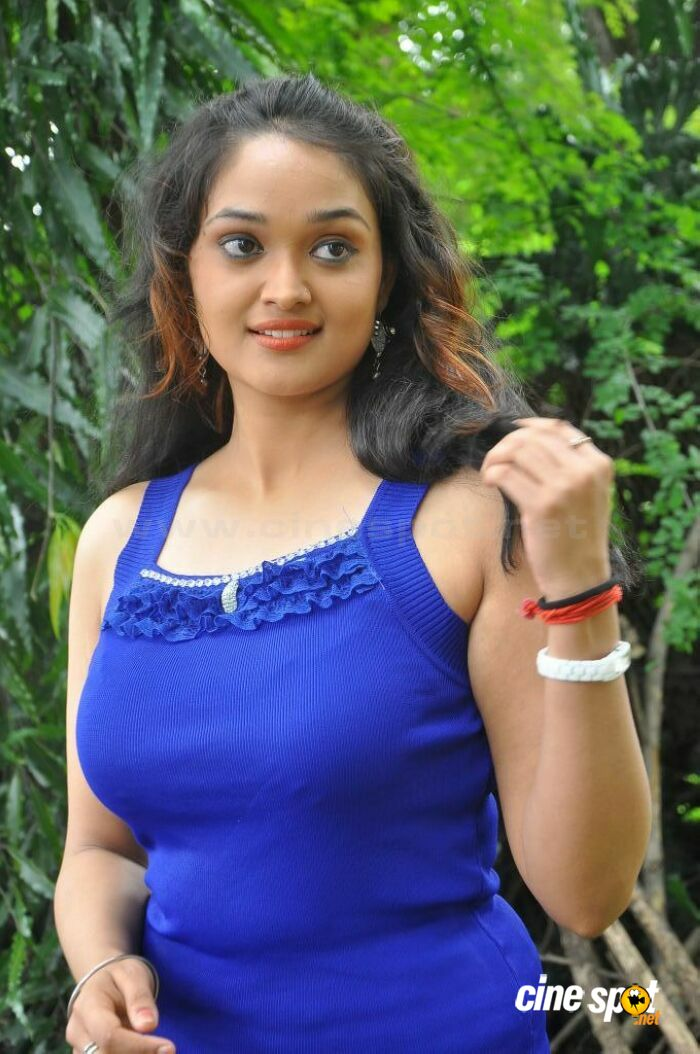 Mounika in Ameerpet Lo Photos (9)