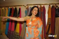 Hema Malini Latest Saree Photos (5)