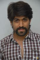 Yash at Raja Huli Press Meet (6)