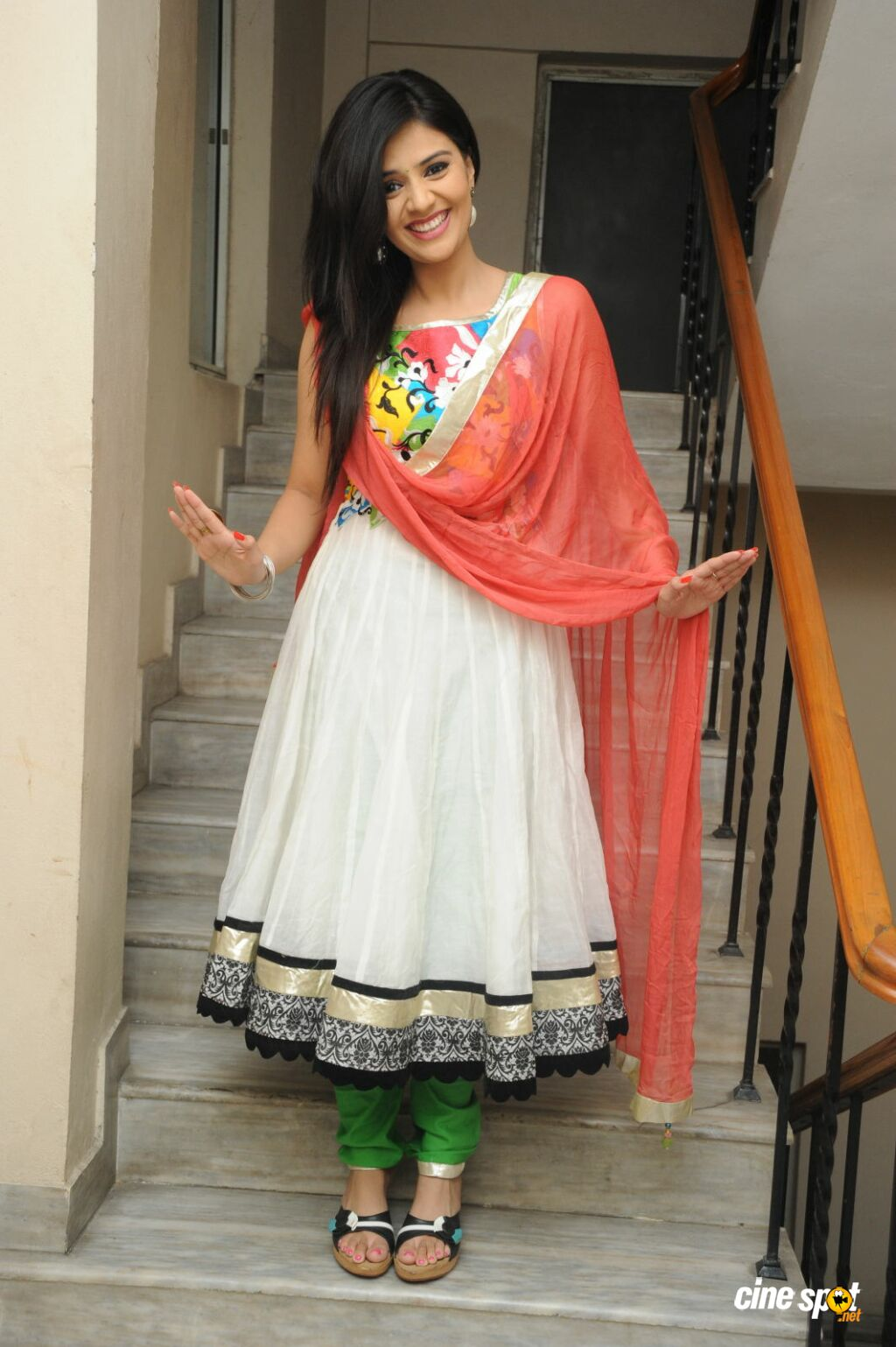 Sree Mukhi New Photos (32)