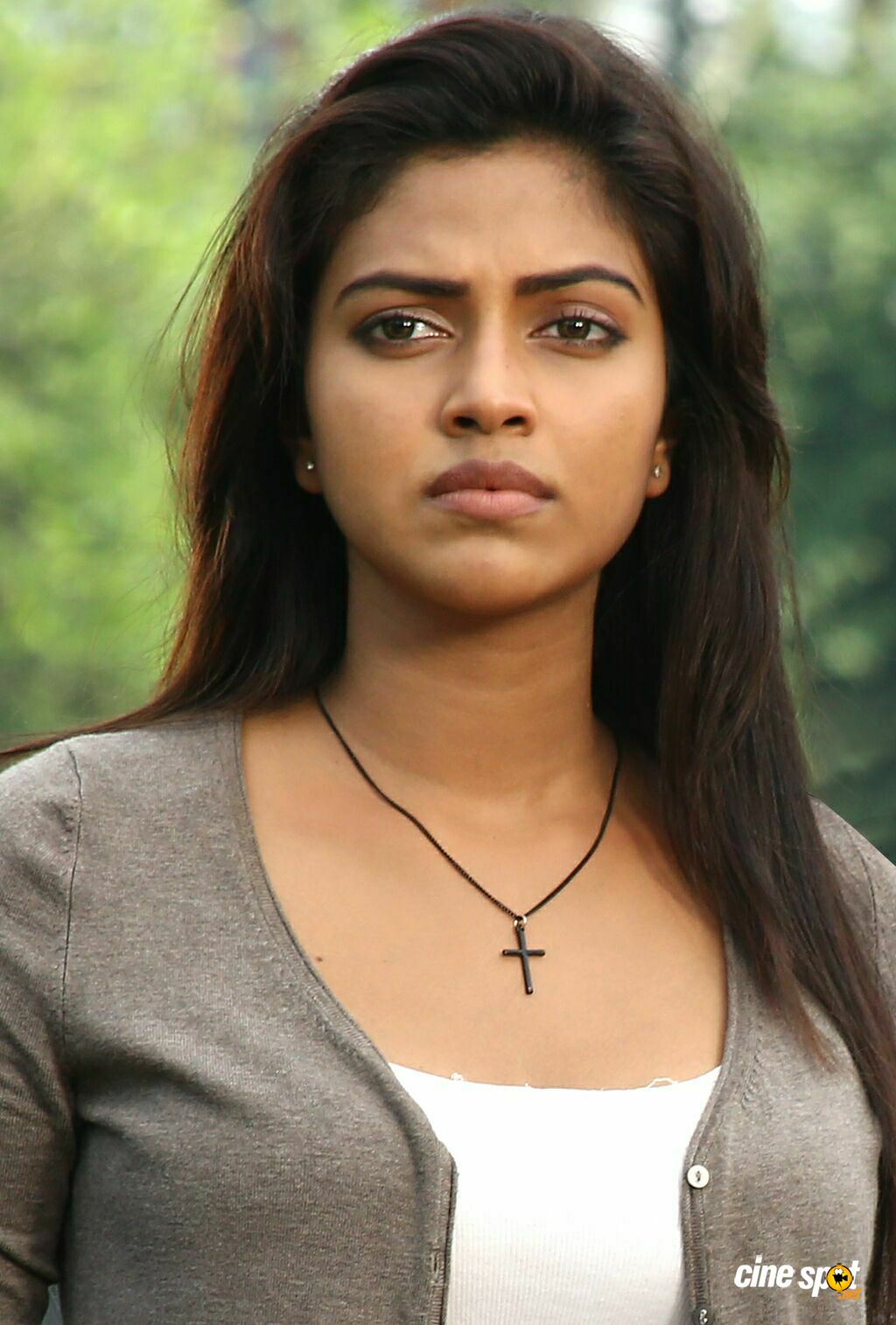 amala paul in oru indian pranayakadha photos (3)