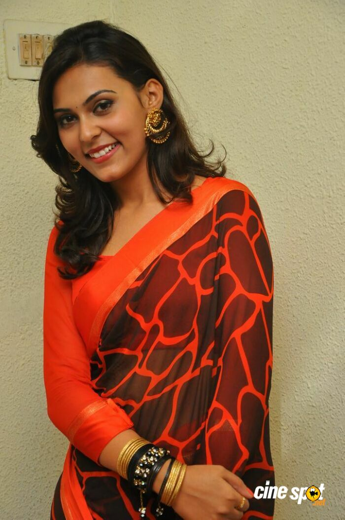 Vaishali at Nee En Uyire Movie Audio Launch (13)