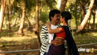 En Nenjai Thottaaye Movie Stills (1)