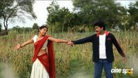 En Nenjai Thottaaye Movie Stills (2)