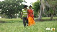 En Nenjai Thottaaye Movie Stills (3)