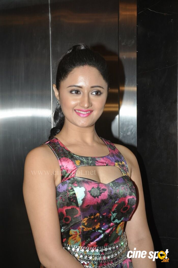 image Bollywood indian celevrity rashmi desai