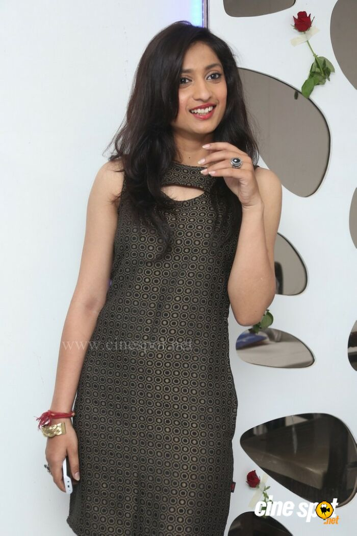 Anusha Hyderabad Model Stills (11)