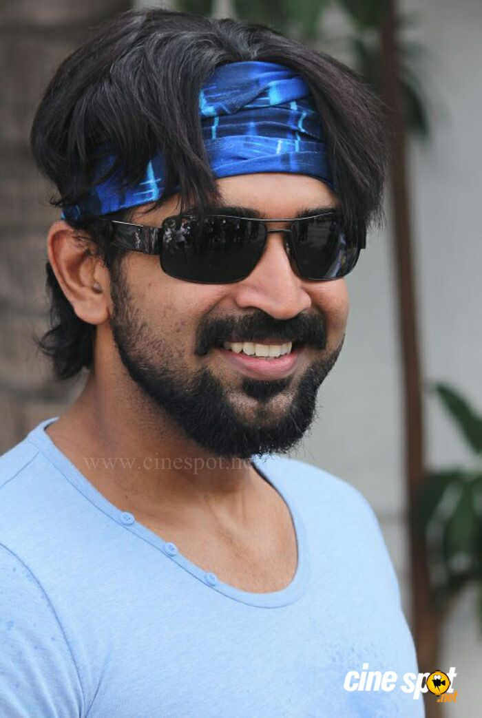 Arun Vijay New Photos (9)