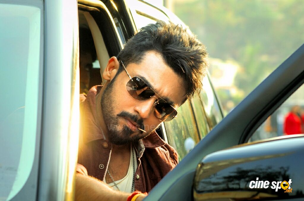 Suriya Sikandar Movie Stills In Hd: Suriya In Anjaan Stills (3
