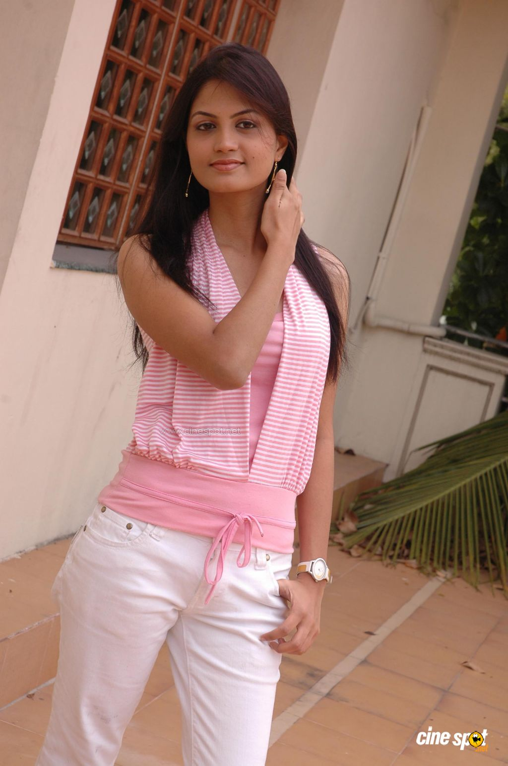Madhulika Sotuh Telungu Actress Photos Gallery  (17)