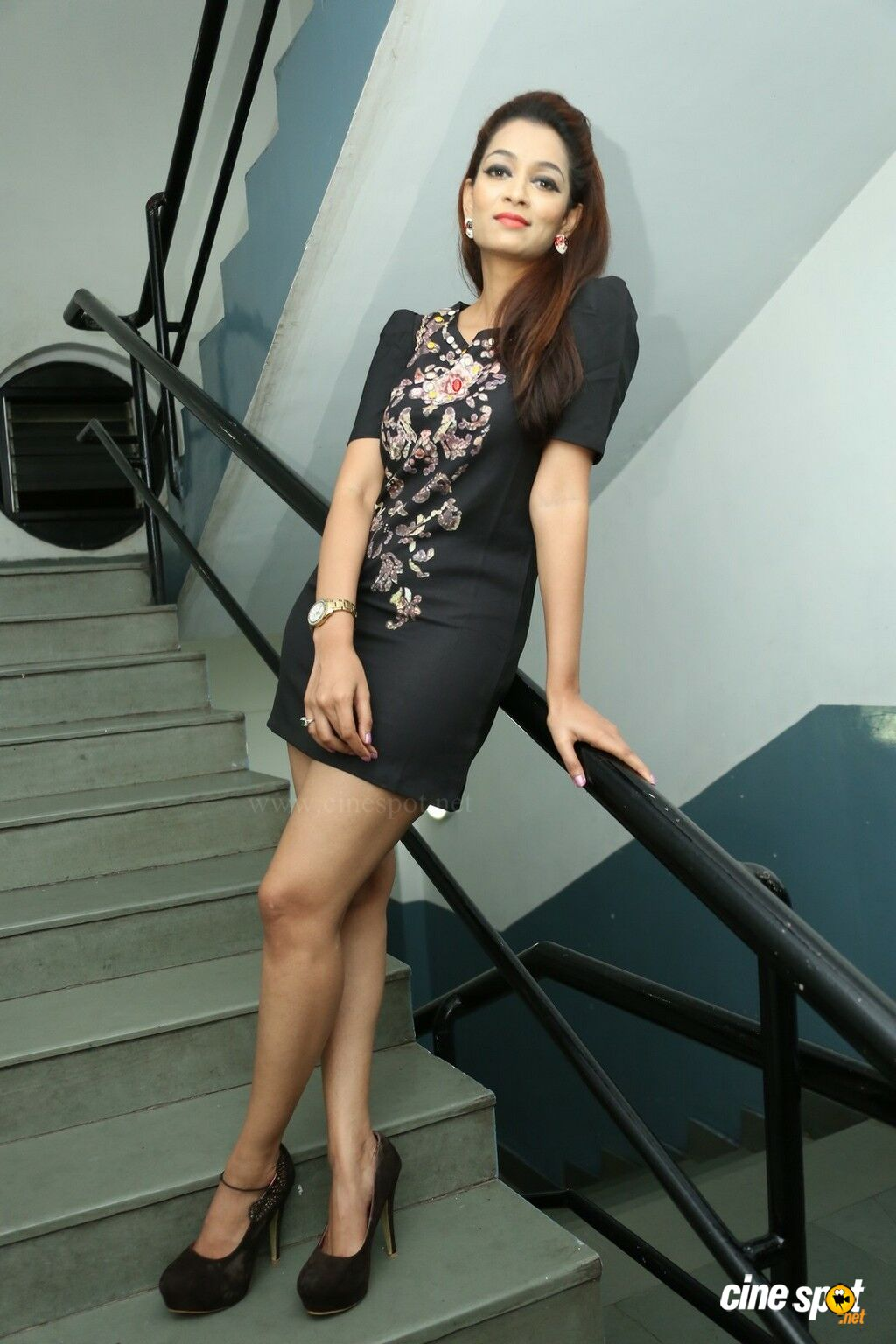 Model Rithisha Photos (22)