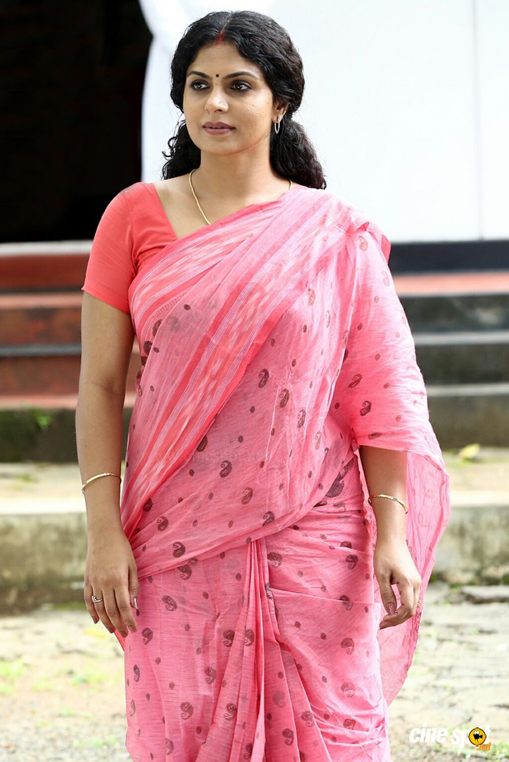 Enakku Pidicha Thevidiya: in Saree/Blouse: Dirty comments pls - Page ...