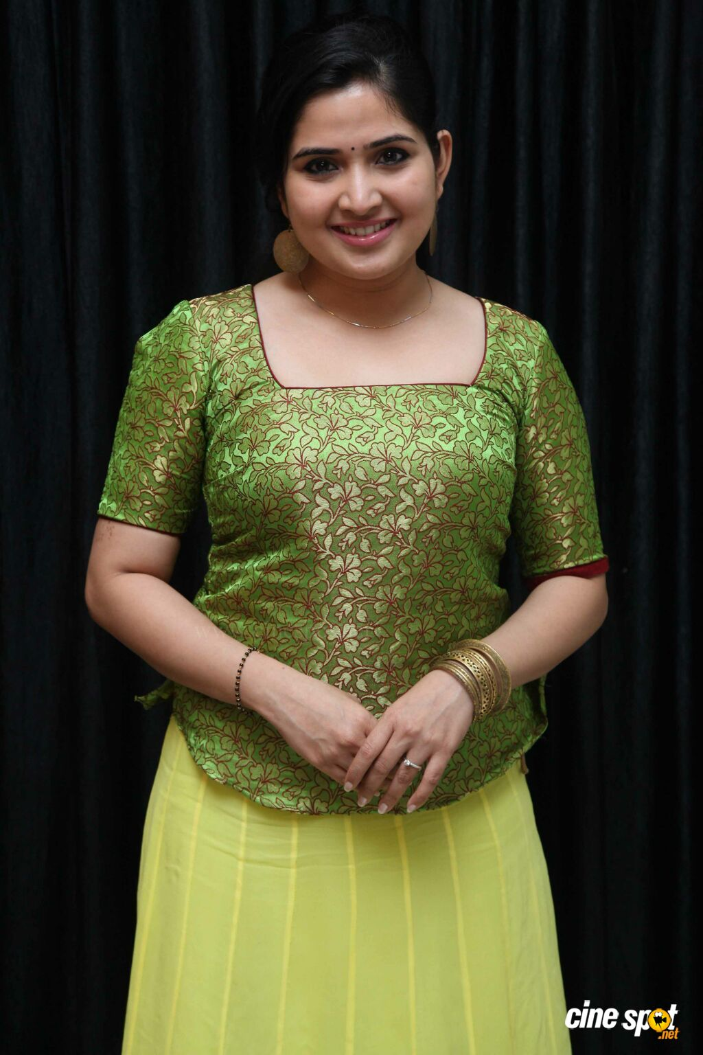 Anupama Bhat at Love Lavike Press Meet (2)