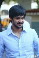 Nakul at Tamiluku En Ondrai Aluthavum Team Interview (1)