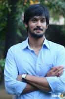 Nakul at Tamiluku En Ondrai Aluthavum Team Interview (10)
