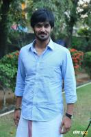 Nakul at Tamiluku En Ondrai Aluthavum Team Interview (5)