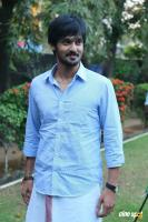 Nakul at Tamiluku En Ondrai Aluthavum Team Interview (6)