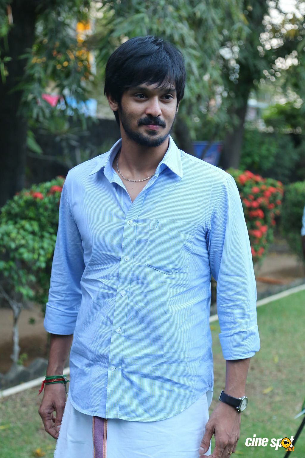 Nakul at Tamiluku En Ondrai Aluthavum Team Interview (7)