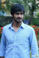 Nakul at Tamiluku En Ondrai Aluthavum Team Interview (9)