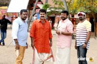 Thinkal Muthal Velli Vare Movie Working Stills
