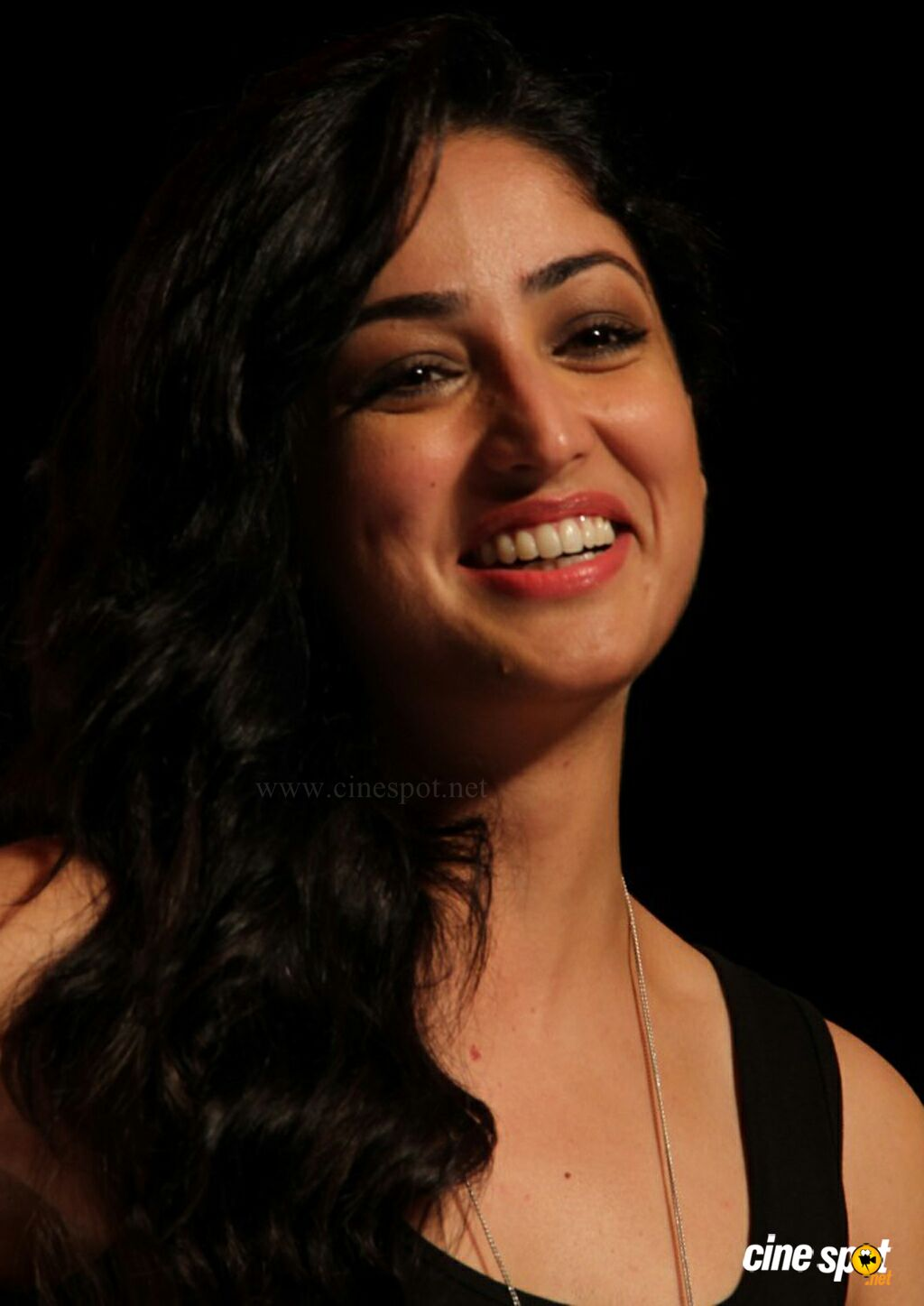 Yami Gautam at Marks Spencer SS Collections Launch (1)