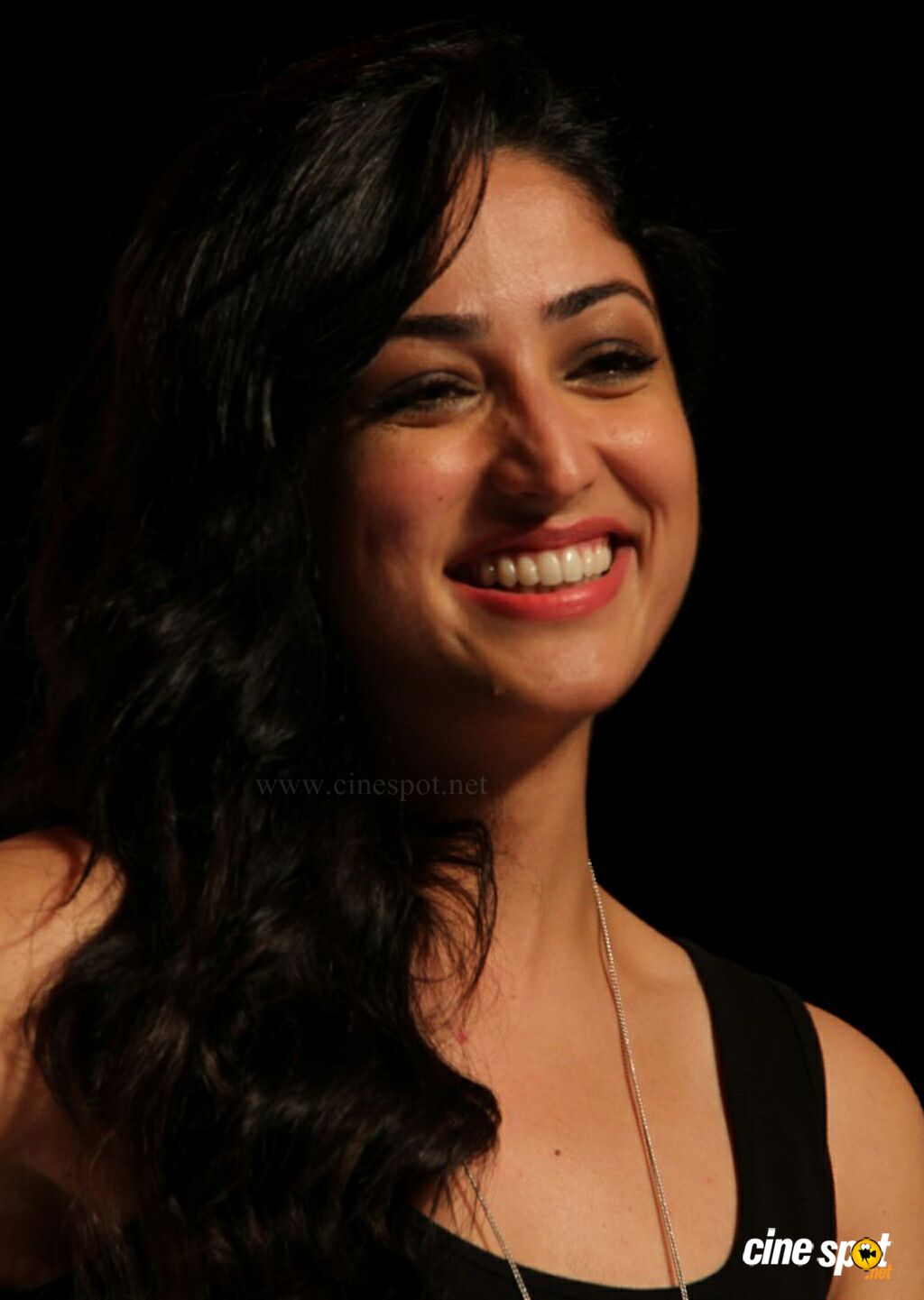 Yami Gautam at Marks Spencer SS Collections Launch (2)