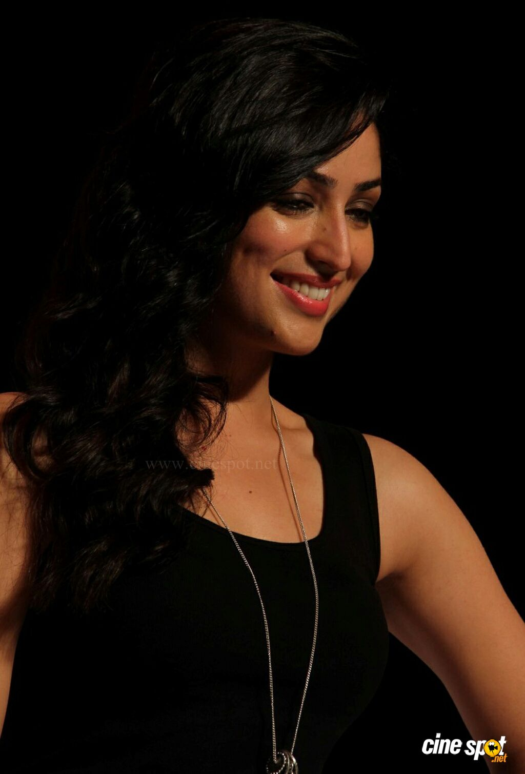 Yami Gautam at Marks Spencer SS Collections Launch (3)