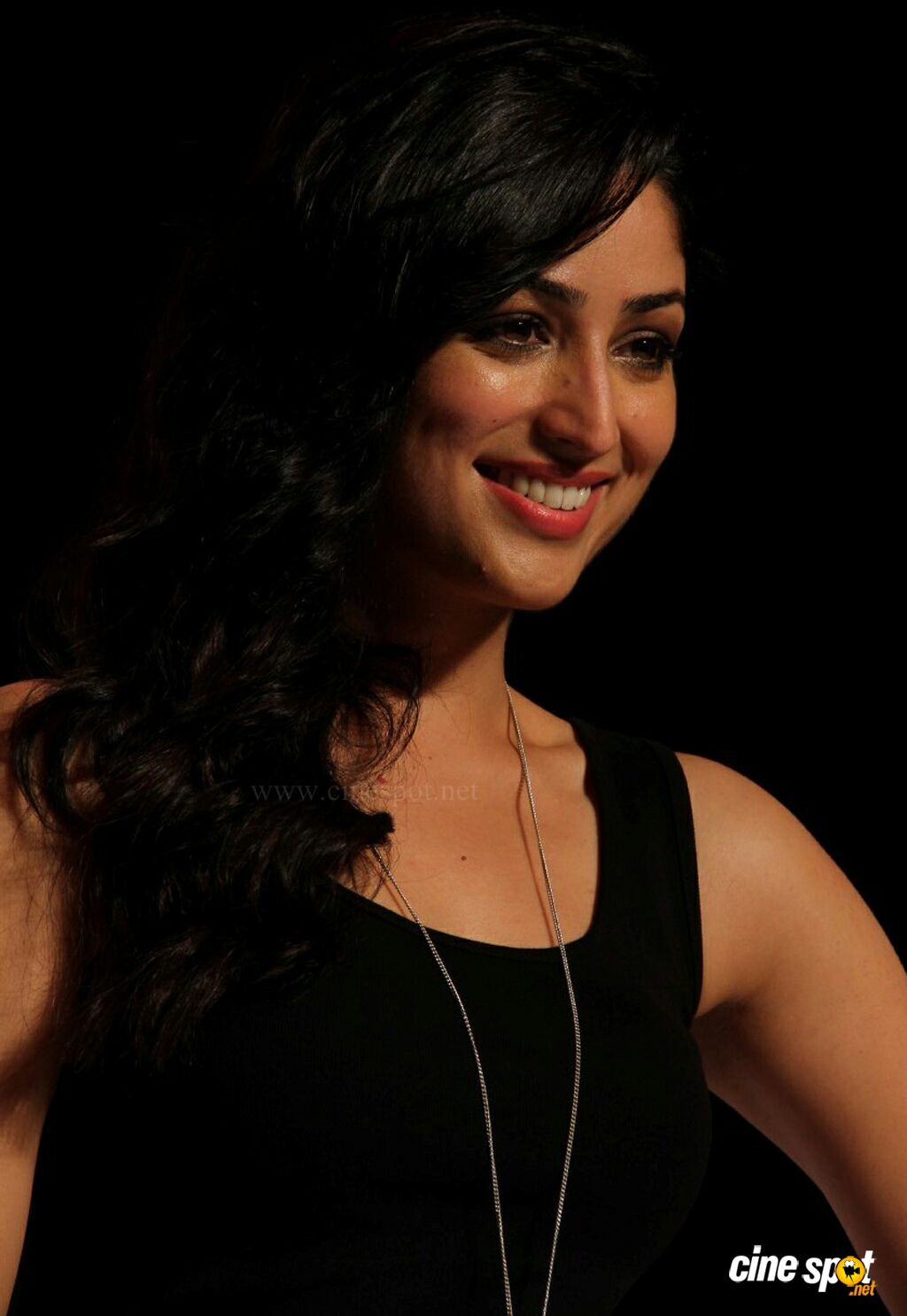 Yami Gautam at Marks Spencer SS Collections Launch (4)