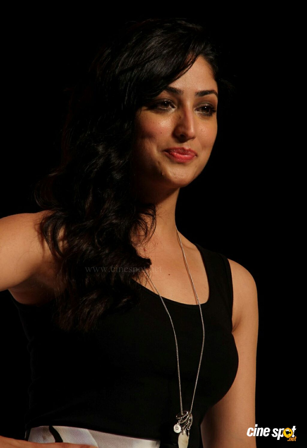 Yami Gautam at Marks Spencer SS Collections Launch (6)
