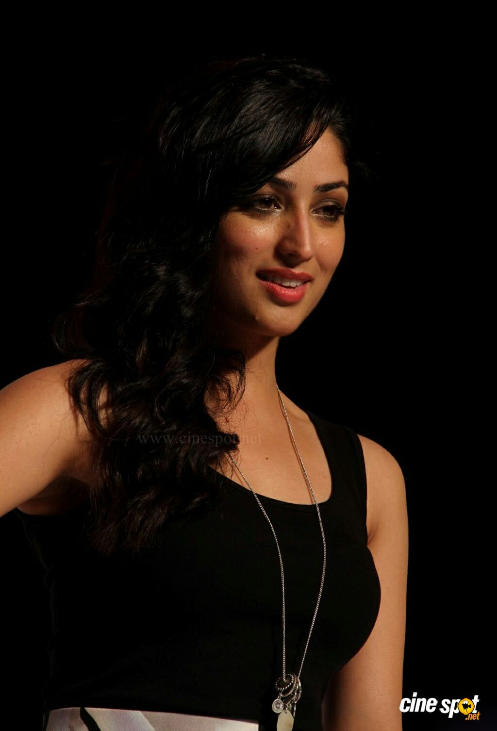 Yami Gautam at Marks Spencer SS Collections Launch (7)